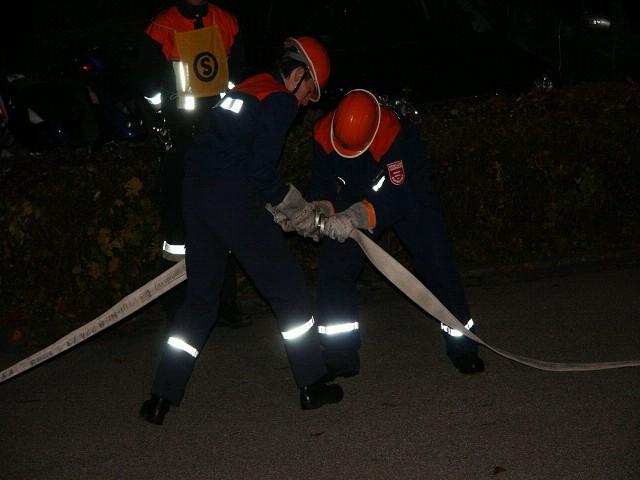 Teamübung90mC-Schlauchleitungkuppeln